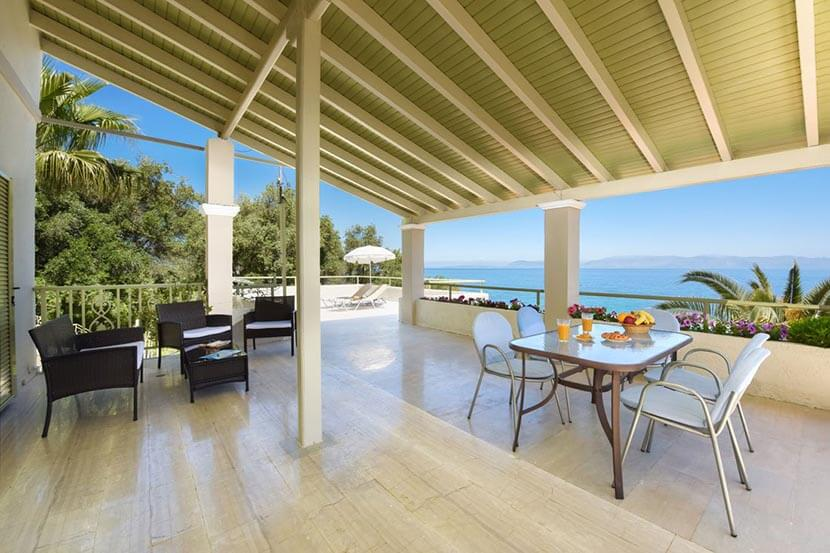 Appartement Athina in Messonghi op Corfu