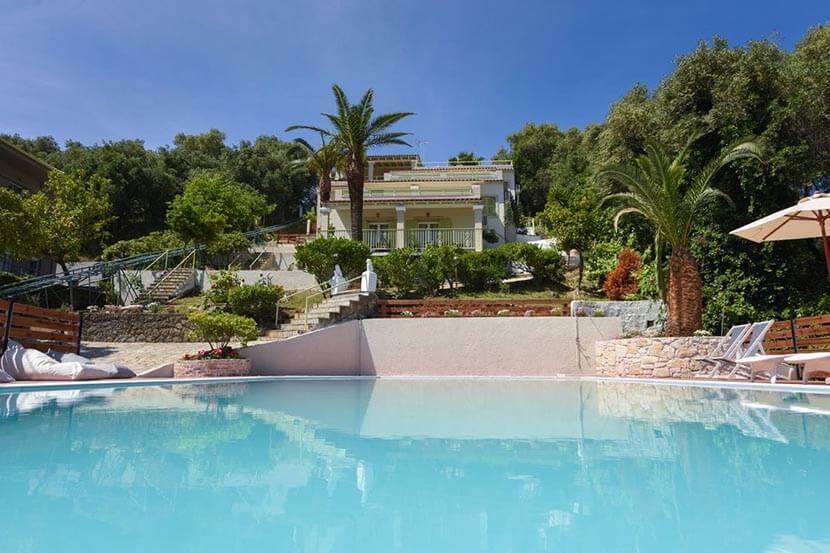 Appartementen Athina in Messonghi op Corfu