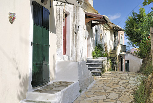 Chlomos - Corfu - Ross Holidays