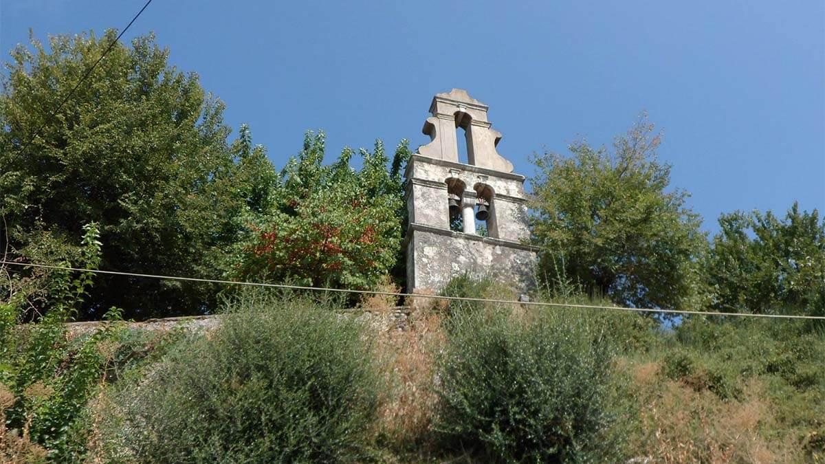 Klokkentoren in Agios Markos op Corfu | Griekenland