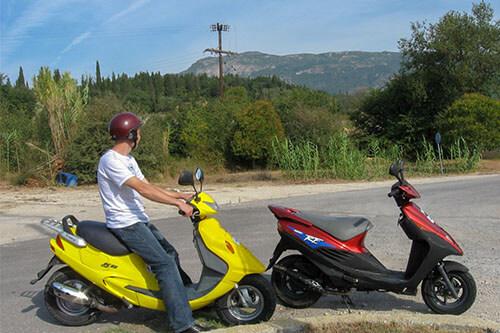 Scooter huren op Corfu